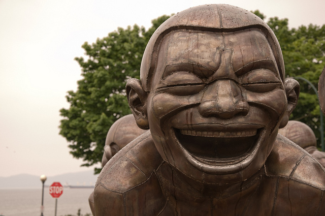 Amazing Laughter sculpture by Yue Minjun