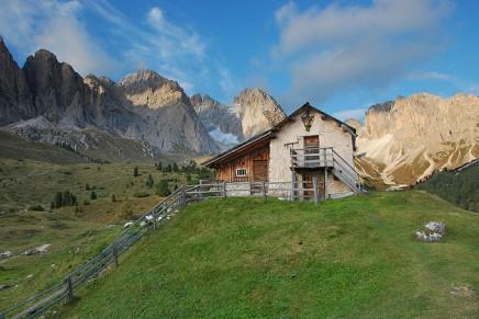 घर और पहाड़