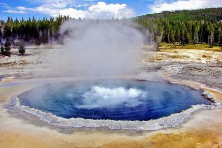 पानी के उबलने का तापमान 100 डिग्री क्योंहै?